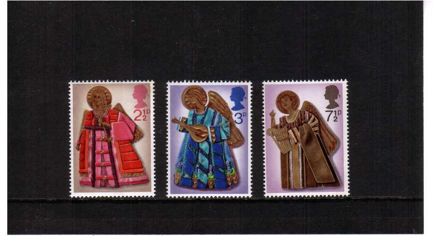 view larger image for SG 913-915 (1972) - Christmas set of three